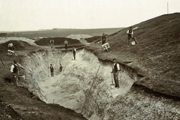 Excavation of Wor Barrow